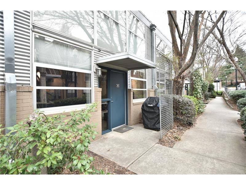 400 Village Parkway NE #105, Atlanta, GA 30306 (MLS #5789871) :: Carrington Real Estate Services