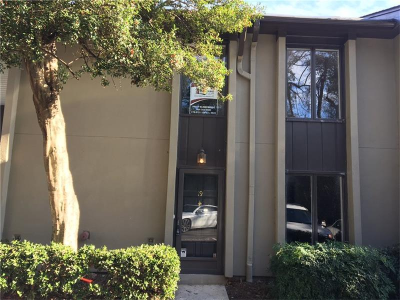 19 Ivy Trail NE, Atlanta, GA 30342 (MLS #5789899) :: Carrington Real Estate Services