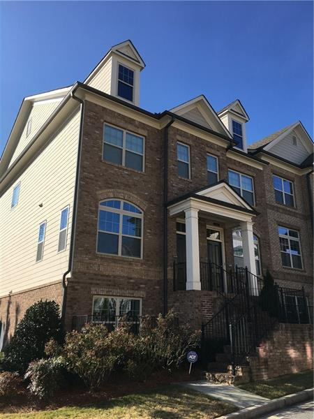 7595 Highland Bluff, Sandy Springs, GA 30328 (MLS #5940399) :: North Atlanta Home Team
