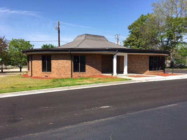 206 E Broad Street, Winder, GA 30680 (MLS #5950749) :: North Atlanta Home Team