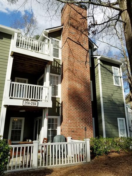 2174 River Heights Court SE, Marietta, GA 30067 (MLS #5969521) :: Charlie Ballard Real Estate
