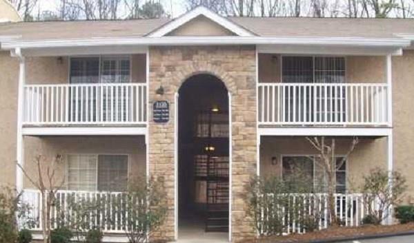 3135 Seven Pines Court #201, Atlanta, GA 30339 (MLS #5971288) :: RE/MAX Prestige