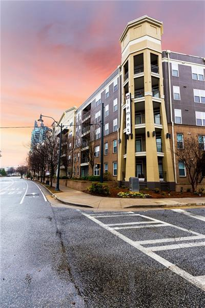 390 17th Street NW #4046, Atlanta, GA 30363 (MLS #5978640) :: RE/MAX Prestige