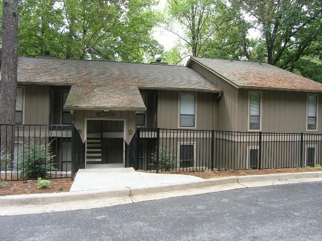 8740 Roswell Road 3B, Sandy Springs, GA 30350 (MLS #5983033) :: Dillard and Company Realty Group