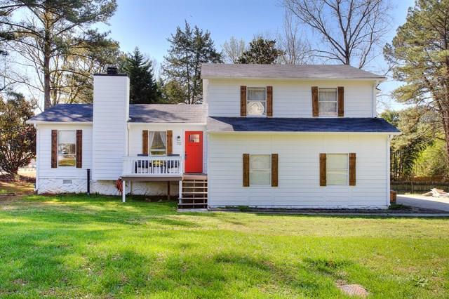 712 Berts Circle NW, Lilburn, GA 30047 (MLS #5987492) :: Carr Real Estate Experts