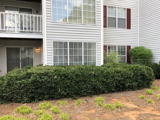 1301 Glenleaf Drive #1301, Peachtree Corners, GA 30092 (MLS #5989183) :: Buy Sell Live Atlanta