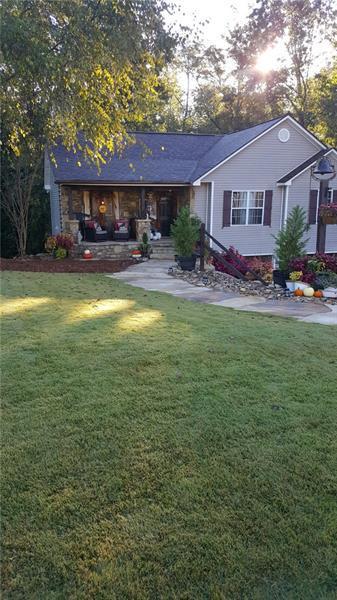 8350 Gabriel Court, Gainesville, GA 30506 (MLS #5995301) :: The Bolt Group