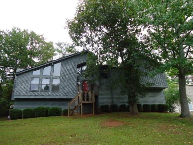 6569 Oakwood Drive, Douglasville, GA 30135 (MLS #5996897) :: RE/MAX Paramount Properties