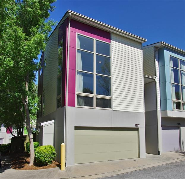 1307 Hoffman Lane NW, Atlanta, GA 30318 (MLS #6000233) :: Carr Real Estate Experts
