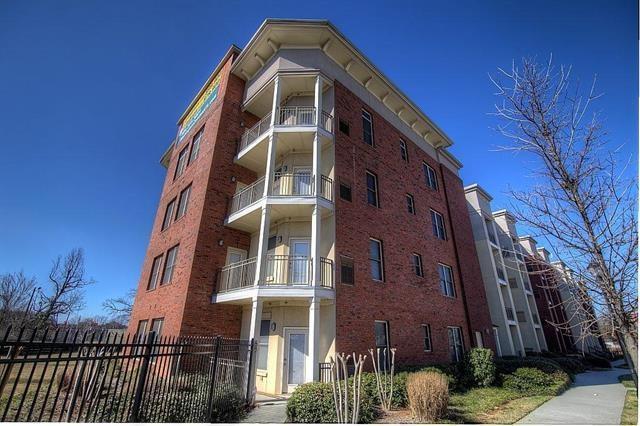 870 Mayson Turner Road NW #1004, Atlanta, GA 30314 (MLS #6008674) :: The North Georgia Group