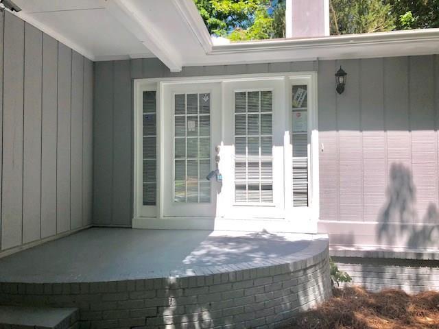 201 S Rockborough Court, Stone Mountain, GA 30083 (MLS #6009037) :: RE/MAX Paramount Properties