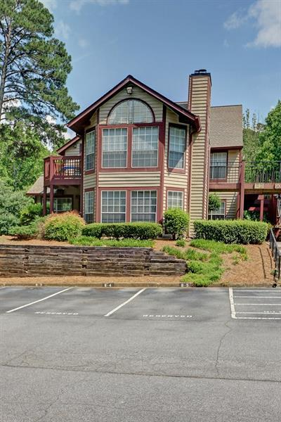 202 Saint Andrews Court, Alpharetta, GA 30022 (MLS #6020545) :: North Atlanta Home Team