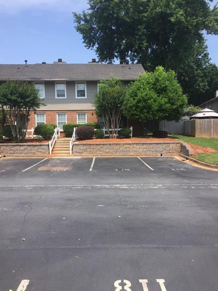7750 Roswell Road 2D, Sandy Springs, GA 30350 (MLS #6025340) :: North Atlanta Home Team