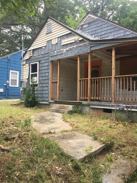 1885 Markone Street NW, Atlanta, GA 30318 (MLS #6028864) :: North Atlanta Home Team