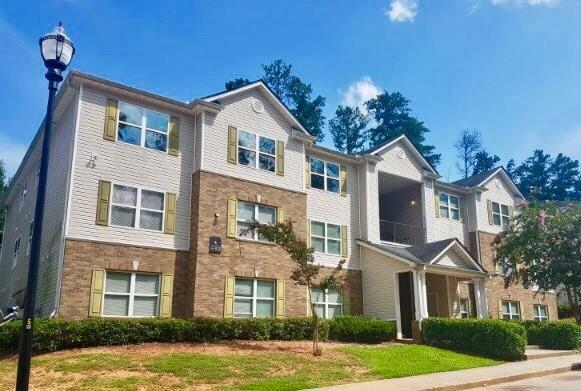 1202 Fairington Village Drive, Lithonia, GA 30038 (MLS #6033192) :: The North Georgia Group