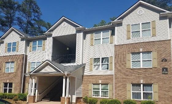 8104 Fairington Village Drive, Lithonia, GA 30038 (MLS #6033265) :: The North Georgia Group