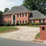 1055 Finnsbury Drive, Roswell, GA 30075 (MLS #6036035) :: RE/MAX Paramount Properties