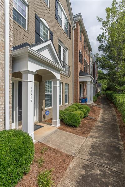 11316 Musette Circle, Alpharetta, GA 30009 (MLS #6037417) :: North Atlanta Home Team