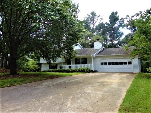 337 Kings Hill Court, Lawrenceville, GA 30045 (MLS #6038945) :: North Atlanta Home Team