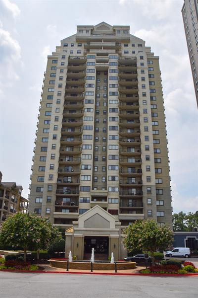 795 Hammond Drive #907, Atlanta, GA 30328 (MLS #6041982) :: RE/MAX Paramount Properties