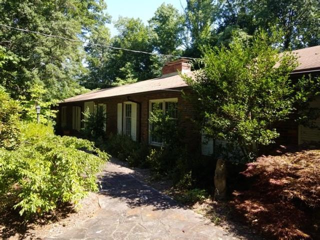 5255 Kenbrook Way, Atlanta, GA 30327 (MLS #6043401) :: The Cowan Connection Team