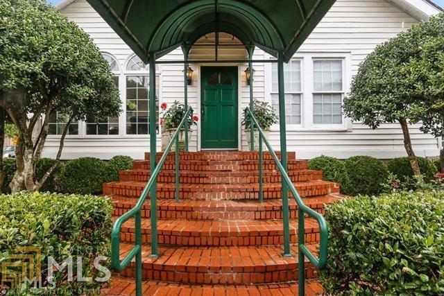 328 NW 14TH Street, Atlanta, GA 30318 (MLS #6044167) :: Charlie Ballard Real Estate