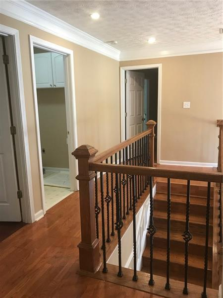 290 Saddle Bridge Drive, Alpharetta, GA 30022 (MLS #6046772) :: Charlie Ballard Real Estate