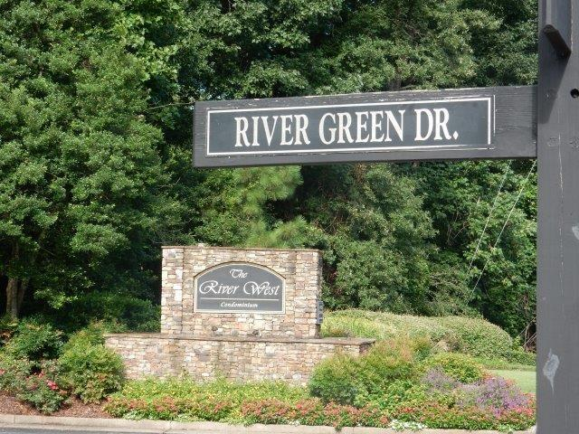 1304 River Green Drive Bldg1-304, Atlanta, GA 30327 (MLS #6056439) :: Rock River Realty