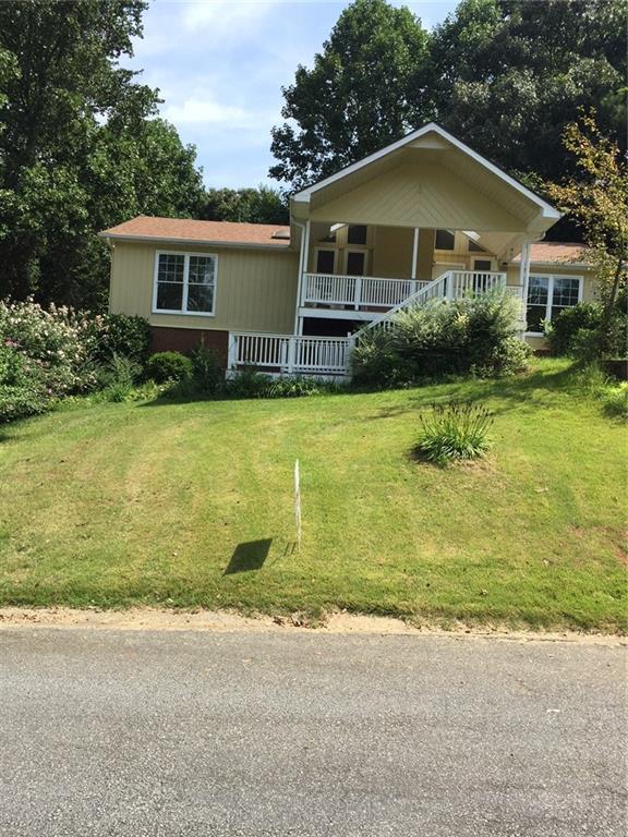 108 E Williamsburg Lane E, Woodstock, GA 30189 (MLS #6057328) :: North Atlanta Home Team