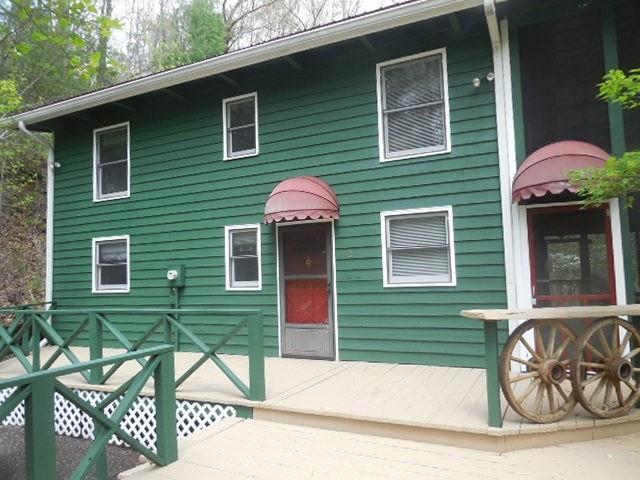 302 Finch Drive, Clayton, GA 30525 (MLS #6058978) :: Five Doors Roswell | Five Doors Network