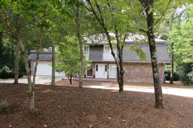 9390 N Lake Drive, Roswell, GA 30076 (MLS #6072469) :: Iconic Living Real Estate Professionals