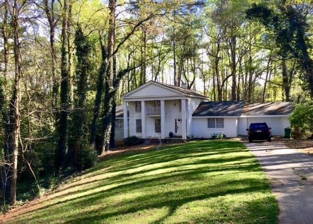 4832 Merlendale Drive, Atlanta, GA 30327 (MLS #6073960) :: Charlie Ballard Real Estate
