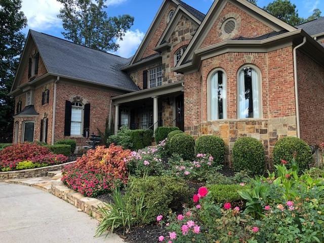 6395 Sunbriar Drive, Cumming, GA 30040 (MLS #6082921) :: Iconic Living Real Estate Professionals