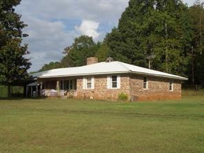 5662 Cemetary Road, Lula, GA 30554 (MLS #6093310) :: North Atlanta Home Team