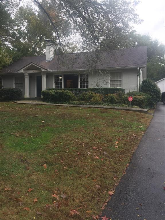 369 Johnson Ferry Road NE, Sandy Springs, GA 30328 (MLS #6099546) :: Charlie Ballard Real Estate