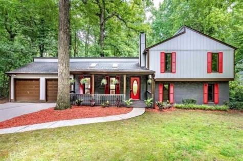 120 Hunting Creek Drive, Marietta, GA 30068 (MLS #6101686) :: RE/MAX Prestige