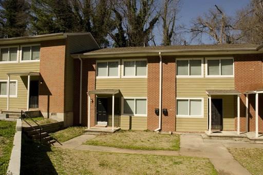 390 NW West Lake Avenue B8, Atlanta, GA 30318 (MLS #6102025) :: Iconic Living Real Estate Professionals