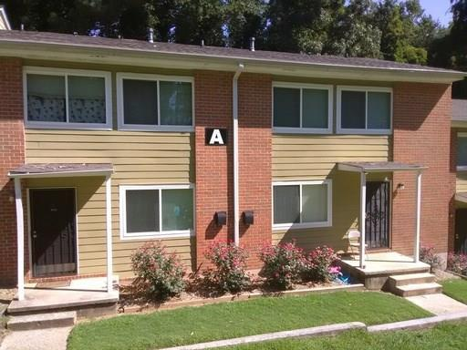 390 West Lake Avenue A2, Atlanta, GA 30318 (MLS #6102027) :: The Hinsons - Mike Hinson & Harriet Hinson