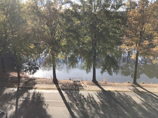 1800 Clairmont Lake A406, Decatur, GA 30033 (MLS #6103241) :: North Atlanta Home Team