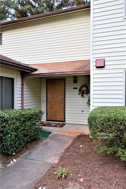 1172 Country Court, Lawrenceville, GA 30044 (MLS #6104391) :: North Atlanta Home Team