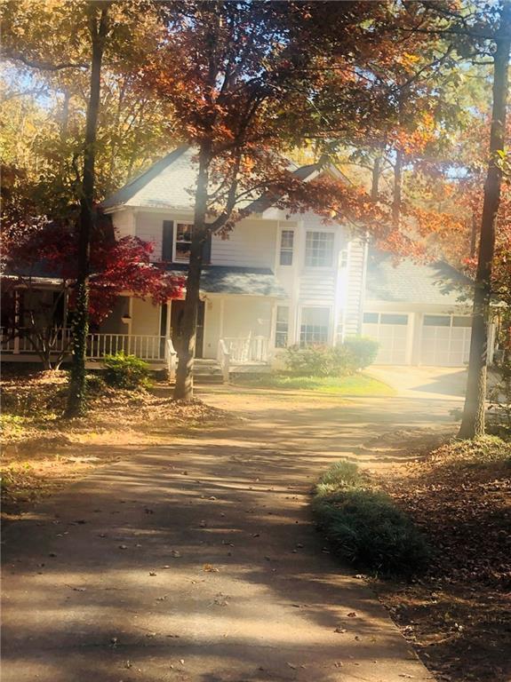4911 W Lake Drive SE, Conyers, GA 30094 (MLS #6105887) :: North Atlanta Home Team