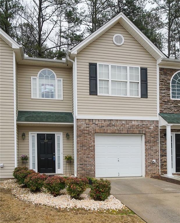 137 Creekwood Drive, Woodstock, GA 30188 (MLS #6122061) :: Five Doors Network Roswell Group