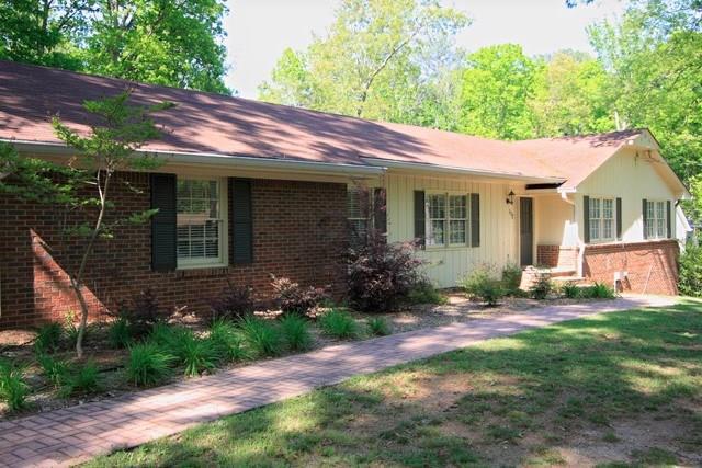 172 Laurelwood Lane, Alpharetta, GA 30009 (MLS #6122162) :: Kennesaw Life Real Estate