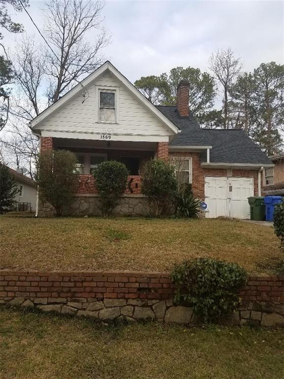 1569 Ezra Church Drive NW, Atlanta, GA 30314 (MLS #6122372) :: The Justin Landis Group