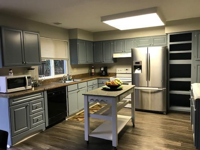 930 Fox Lane SE, Marietta, GA 30067 (MLS #6123698) :: KELLY+CO