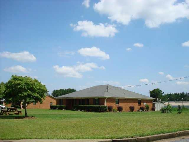 703 Still Lake Drive, Lawrenceville, GA 30046 (MLS #6125753) :: North Atlanta Home Team