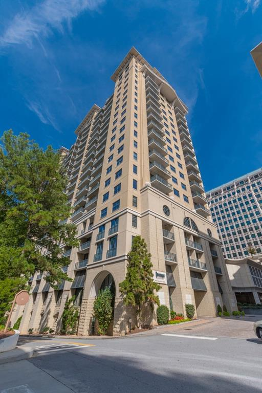 3040 Peachtree Road NW #703, Atlanta, GA 30305 (MLS #6505899) :: The Cowan Connection Team
