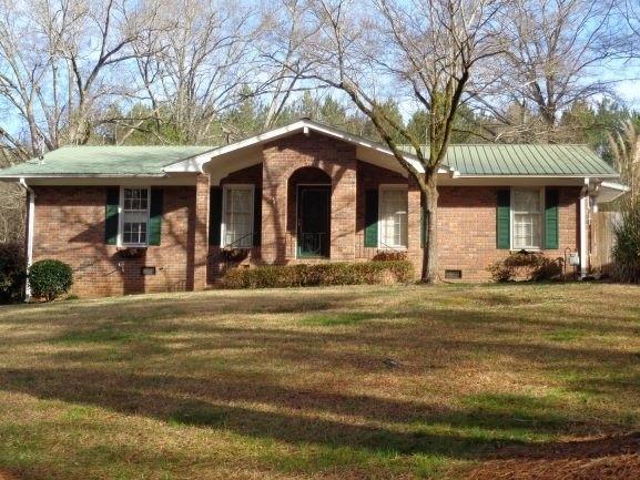 140 Brookwood Drive, Lavonia, GA 30553 (MLS #6506205) :: North Atlanta Home Team