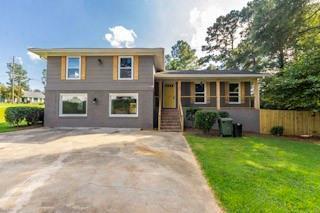 560 Kings Ridge Drive, Monroe, GA 30655 (MLS #6511213) :: The Zac Team @ RE/MAX Metro Atlanta