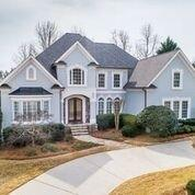 5640 Laurel Oak Drive, Suwanee, GA 30024 (MLS #6520453) :: Todd Lemoine Team